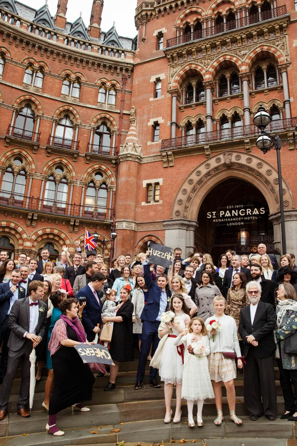 Weddinf party outside the St Pancra Renaissance Hotel | London Wedding The Curries Photogrpahy | Always Andri Wedding Planning