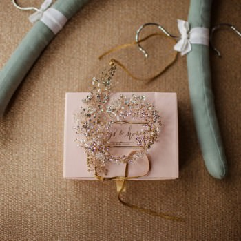 Brides diamonte and pearl hair accessory | London Wedding The Curries Photogrpahy | Always Andri Wedding Planning
