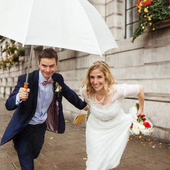 Bride and groom run from rain | London Wedding The Curries Photogrpahy | Always Andri Wedding Planning