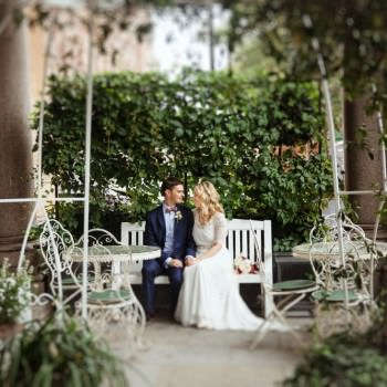 Bride and groom in garden | London Wedding The Curries Photogrpahy | Always Andri Wedding Planning