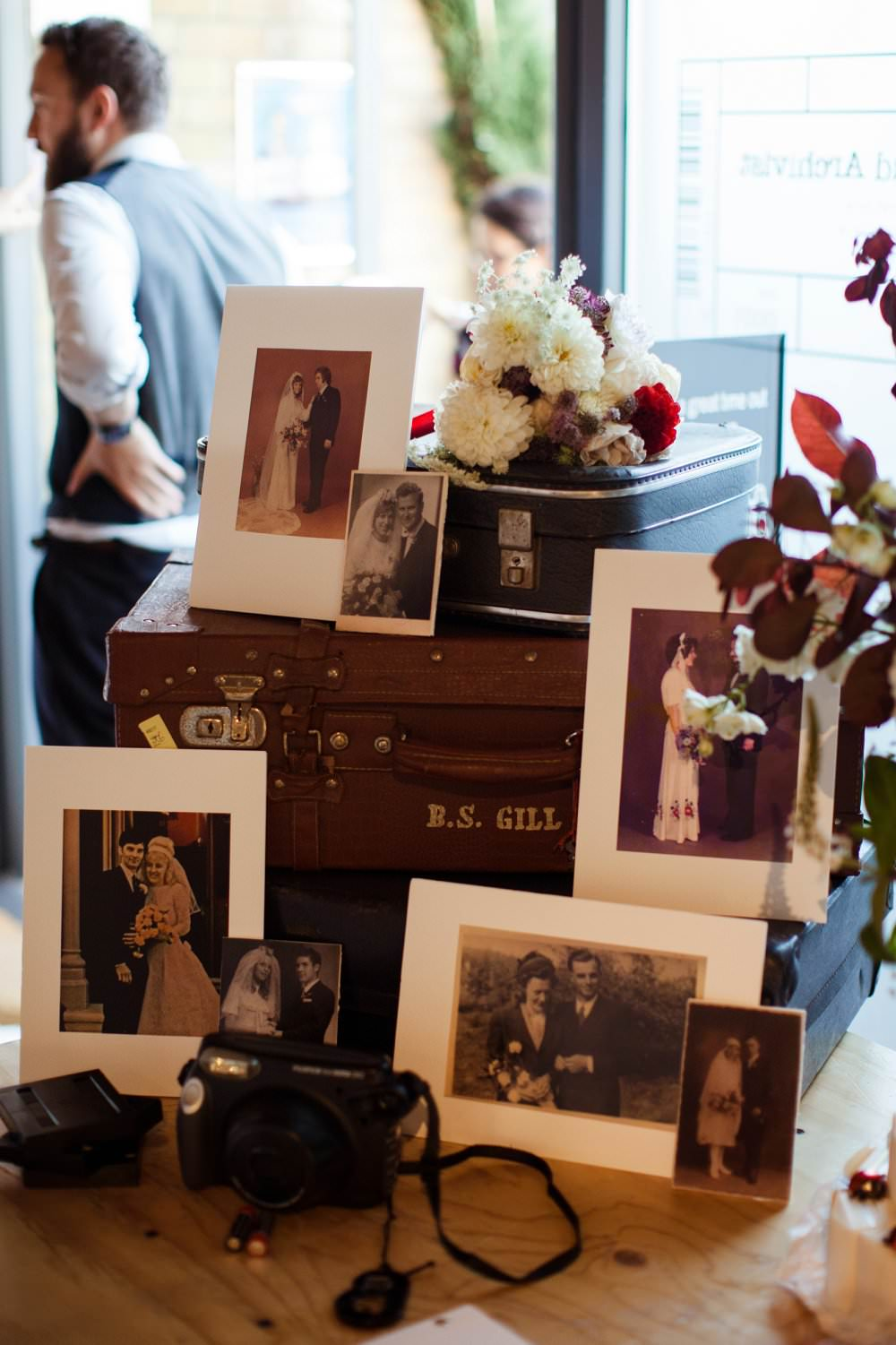 FAmily wedding photos on Vintage suitcases | London Wedding The Curries Photogrpahy | Always Andri Wedding Planning