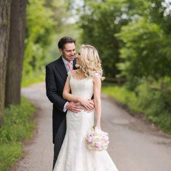 pretty-pastel-wedding-Northbrook-park-surrey-bride-phillipa-lepley-wedding-dress