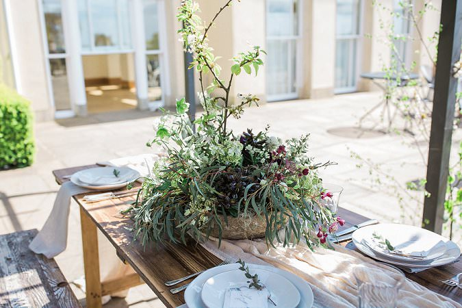 Three common wedding planning mistakes how to avoid them foliage wedding table flowers
