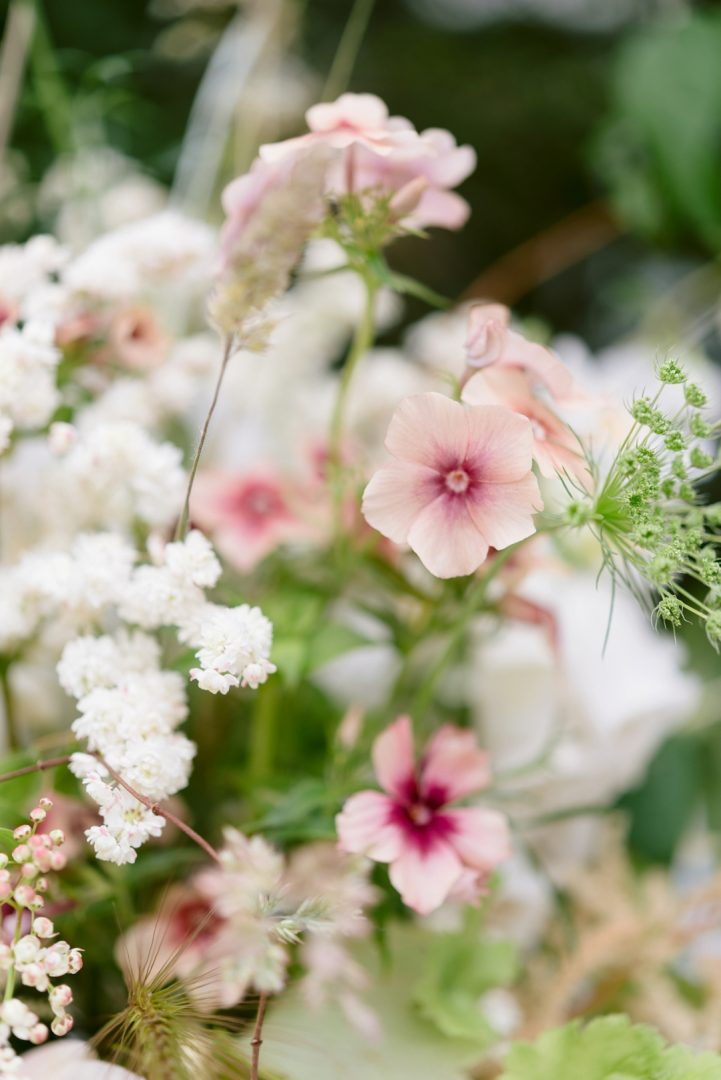 pretty pink cottagcore flowers Wedding trends inspired by interior design